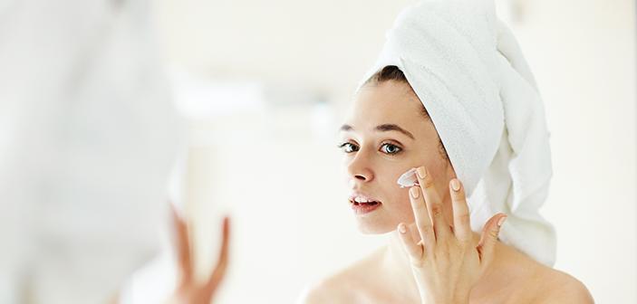 saadan-renser-du-dit-ansigt-korrekt-solbeskyttelse-cream