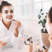 pige-laegger-ansigtsmaske